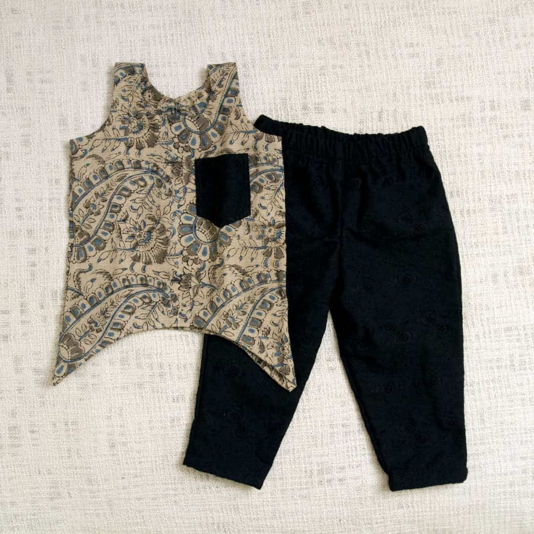 Printed cotton top with cotton hakoba pants